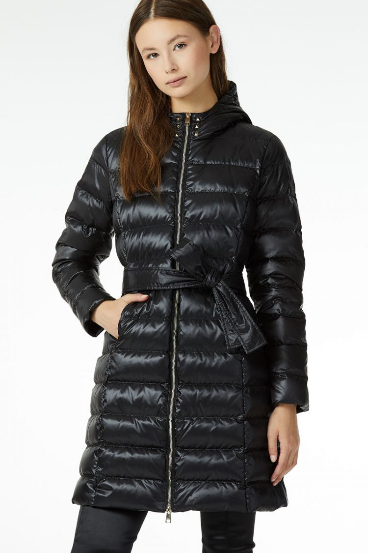 new concept a4342 61fe3 Woman's 'Urban Inspiration' longline quilted jacket Black ...