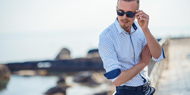 Semplicità e colore per la moda uomo che riparte!